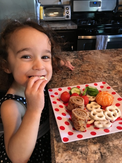 CBUS Dads blogger Steve Michalovich's daughter enjoying her meal from Eat Pak'd